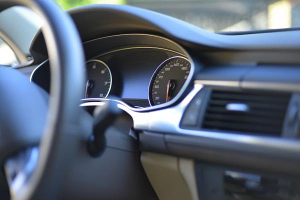 交通事故の際の代車代ですが、<br>修理した車の引き渡しを受けるまでの期間については、<br>全額支払ってもらえるのでしょうか。
